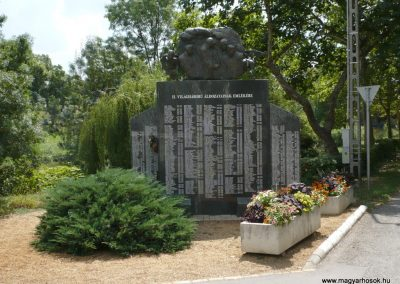 Szentes II. világháborús emlékmű 2012.08.02. küldő-Sümec (1)