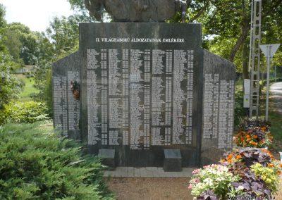 Szentes II. világháborús emlékmű 2012.08.02. küldő-Sümec (14)