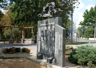 Szentes II. világháborús emlékmű 2012.08.02. küldő-Sümec (16)