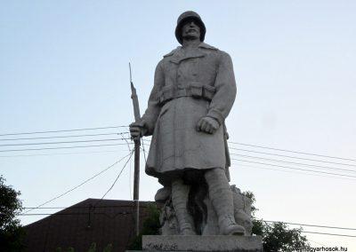 Szentgál hősi emlékművek 2013.08.17. küldő-kalyhas (4)