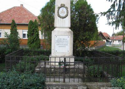 Szentistván I.vh emlékmű 2007.09.20.küldő-Kályhás (1)