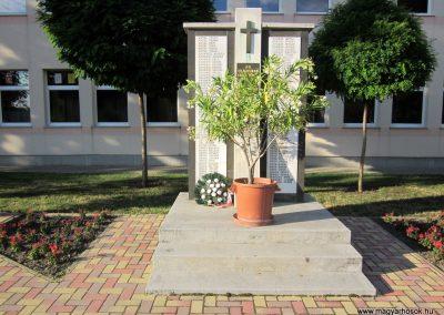 Szentistván II. világháborús emlékmű 2017.07.12. küldő-kalyhas (2)