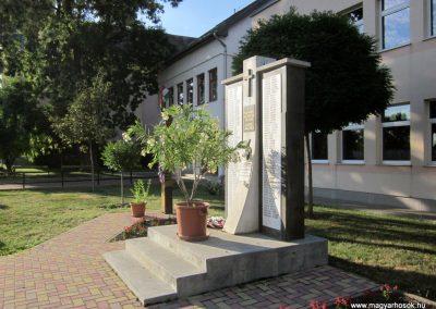 Szentistván II. világháborús emlékmű 2017.07.12. küldő-kalyhas (7)
