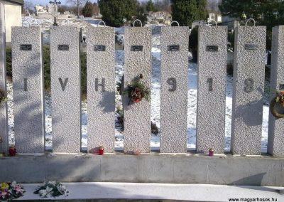 Szentistvánbaksa hősi emlékmű 2010.01.22. küldő-megtorló (2)