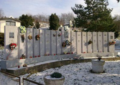 Szentistvánbaksa hősi emlékmű 2010.01.22. küldő-megtorló