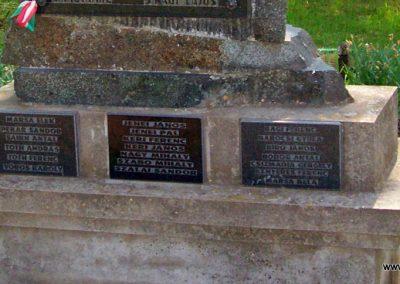 Szentkirály világháborús emlékmű 2009.05.02. küldő-miki (2)