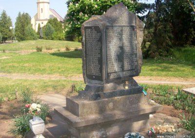 Szentkirály világháborús emlékmű 2009.05.02. küldő-miki (3)