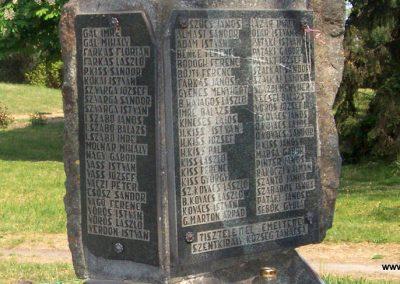 Szentkirály világháborús emlékmű 2009.05.02. küldő-miki (4)