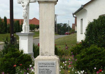 Szentlászló II. vh emlékmű 2010.08.04. küldő-Sümec (1)