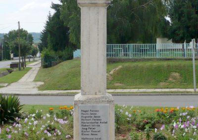 Szentlászló II. vh emlékmű 2010.08.04. küldő-Sümec (3)