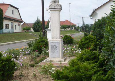 Szentlászló II. vh emlékmű 2010.08.04. küldő-Sümec
