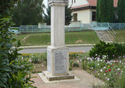 Szentlászló II. vh emlékmű 2010.08.04. küldő-Sümec (8)