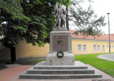 Szentlőrinc I.vh emlékmű 2010.05.22. küldő-KRySZ