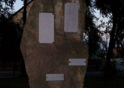 Szentlőrinckáta világháborús emlékmű 2009.09.30. küldő-miki (1)