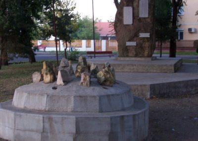 Szentlőrinckáta világháborús emlékmű 2009.09.30. küldő-miki