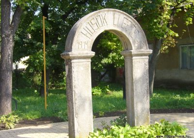 Szentmártonkáta I. világháborús emlékhely 2014.09.17. küldő-Sümegi Csaba