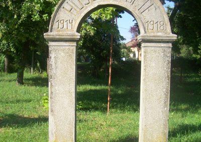 Szentmártonkáta I.vh emlékhely 2010.06.17. küldő-Horváth Zsolt