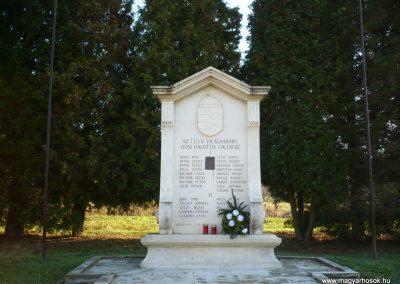 Szentmargitfalva világháborús emlékmű 2009.11.17.küldő-Sümec (4)