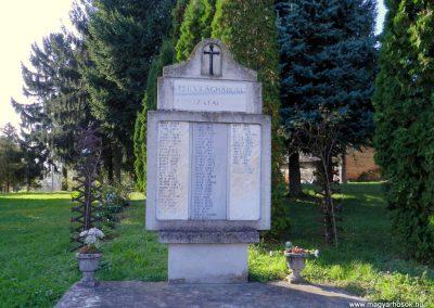 Szentpéterúr világháborús emlékmű 2014.10.11. küldő-Huber Csabáné (1)