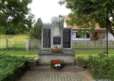 Szentpéterfölde világháborús emlékmű 2016.08.13. küldő-kalyhas (1)