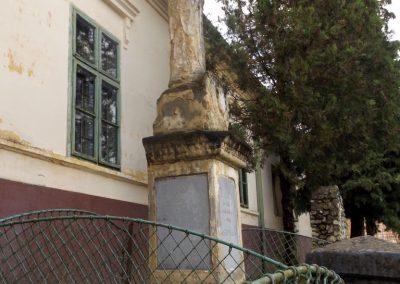 Szenyér I. világháborús emlékmű 2014.10.25. küldő-kalyhas (2)
