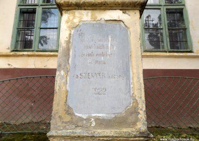 Szenyér I. világháborús emlékmű 2014.10.25. küldő-kalyhas (3)