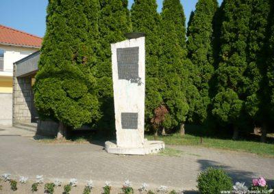 Szepetnek II.vh emlékmű 2010.07.14. küldő-Sümec (3)