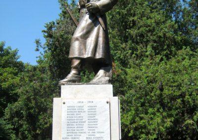 Szerencs felújított világháborús emlékmű 2017.07.18. küldő-Emese (3)