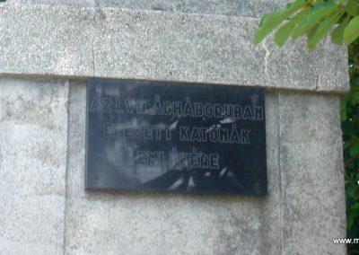 Szigetújfalu I.vh emlékmű 2009.05.18. küldő-Huszár Peti (2)