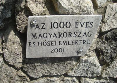 Szigetszentmárton Hősi emlékmű 2009.05.18.küldő-Huszár Peti (2)