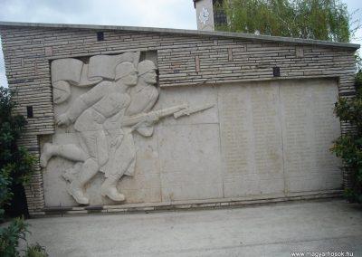 Szigetszentmiklós világháborús emlékmű 2008.04.15. küldő-Huszár Peti (1)