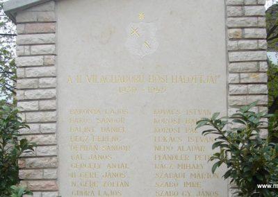 Szigetszentmiklós világháborús emlékmű 2008.04.15. küldő-Huszár Peti (10)