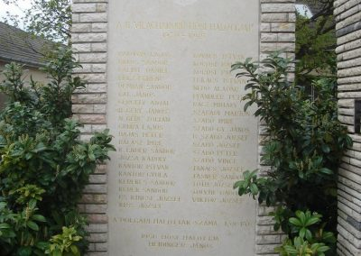 Szigetszentmiklós világháborús emlékmű 2008.04.15. küldő-Huszár Peti (9)