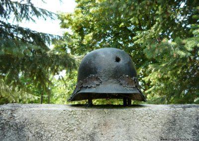 Szigliget világháborús emlékmű 2011.06.12. küldő-Ágca (3)