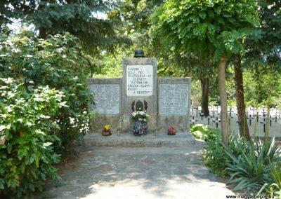 Szigliget világháborús emlékmű 2011.06.12. küldő-Ágca