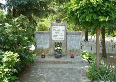Szigliget világháborús emlékmű 2011.06.12. küldő-Ágca (5)