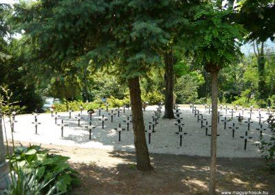 Szigliget világháborús emlékmű 2011.06.12. küldő-Ágca (7)