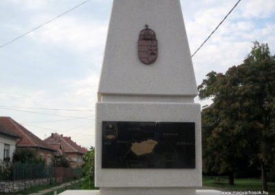 Szihalom új világháborús emlékmű 2015.09.14. küldő-kalyhas (3)