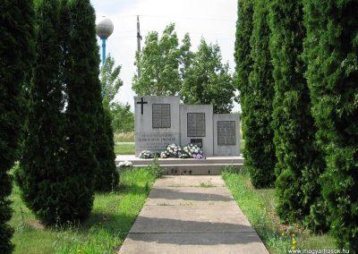 Szihalom világháborús emlékmű 2007.06.15. küldő-kalyhas