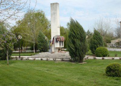 Szilágynagyfalu világháborús emlékmű 2014.04.18. küldő-Sümec (1)