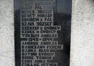 Szilágynagyfalu világháborús emlékmű 2014.04.18. küldő-Sümec (24)