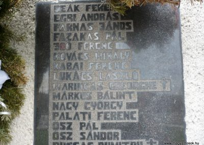 Szilágynagyfalu világháborús emlékmű 2014.04.18. küldő-Sümec (25)