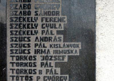 Szilágynagyfalu világháborús emlékmű 2014.04.18. küldő-Sümec (26)
