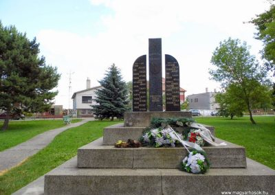 Szilas világháborús emlékmű 2014.06.18. küldő-Méri