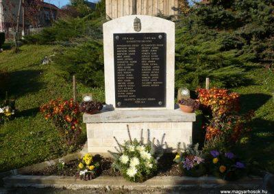Szilvágy világháborús emlékmű 2009.11.17.küldő-Sümec (1)
