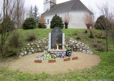 Szilvásszentmárton világháborús emlékmű 2013.03.31. küldő-kalyhas (3)
