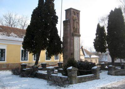 Szirák világháborús emlékmű 2010.01.26. küldő-kalyhas