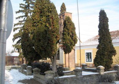 Szirák világháborús emlékmű 2010.01.26. küldő-kalyhas (5)