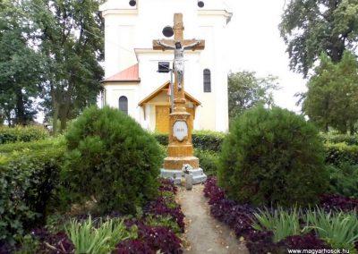 Szirmabesenyő, Kisboldogasszony római katolikus templom