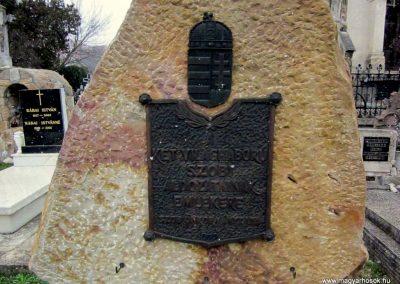 Szob világháborús emlékmű 2013.03.18. küldő-kalyhas (2)